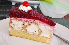 Windbeuteltorte Windbeutel cake, a delicious recipe from the category cake. Delicious Cake Recipes, Yummy Cakes, Yummy Food, Cream Puff Cakes, German Baking, German Cake, Puff Pastry Recipes, Cake & Co, Bag Cake