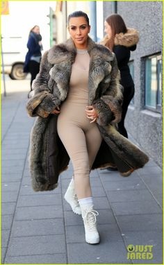 Kim Kardashian shows off her curvy figure in a form-fitting bodysuit while stepping out on Monday (April 18) in Iceland.    The 35-year-old reality star was joined…