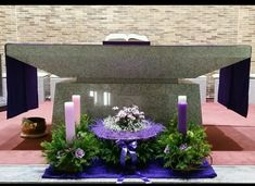 Church Decorations, Table Decorations, Church Flower Arrangements, Altars, Diy And Crafts, Flowers, Wedding Centerpieces, Wedding Tables, Sunday School Themes