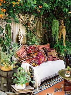 Traditional Home Remodel Setting intentions bohemian garden space. Home Remodel Setting intentions bohemian garden space. Bohemian House, Bohemian Patio, Bohemian Living, Bohemian Style, Bohemian Garden Ideas, Boho Gypsy, Bohemian Design, French Bohemian, Modern Bohemian