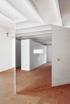 Apartment in 'el Putxet' Barcelona by ARQUITECTURA-G.