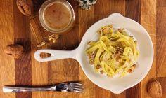Tagliatelles au roquefort, noix et miel Dans cette recette, je marie des produits locaux qui forment une belle harmonie de saveurs. Le croquant des noix apporte un intéressant contraste de texture à ce plat express. Find the recipe on www.lebonchef.fr #amazing #isere #épicerie #tagliatelle #chef #Pasta #Pâtes #fromage #inspiration #delicious #roquefort #foodgasm #Käse #cheese #miele #honey #miel #grenoble #noix #igersgrenoble #localfood #locavore #localfarmers