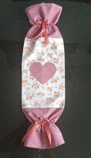 Best sewing crafts to sell grocery bags Ideas Fabric Crafts, Sewing Crafts, Sewing Projects, Crafts To Sell, Diy And Crafts, Grocery Bag Holder, Grocery Bags, Tutorial Diy, Peg Bag
