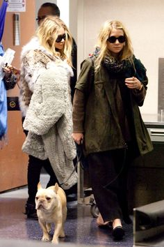 Ashley Olsen Photos - Mary Kate and Ashley Olsen at LAX - Zimbio