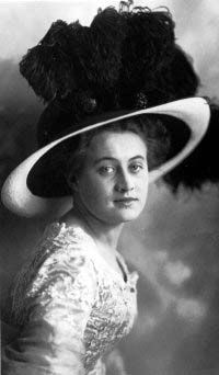 Dorothy Gibson. Titanic survivor and actress.