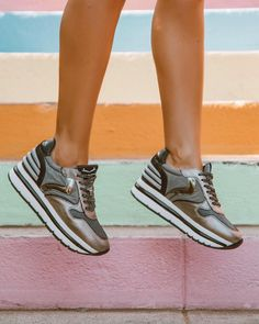 Hearting my new sneakers @voile_blanche ❤👟 Check our my latest blog post. I'll be taking you on stroll through Silver Lake #voileblancheshoes #sp Silver Lake, New Sneakers, Check, Blog, Shoes, Instagram, Fashion, Pereira, Footwear