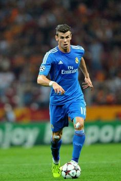 No monster muscles then Football Fever, Best Football Team, Sport Football, Good Soccer Players, Football Players, Garet Bale, Bale 11, Real Madrid Football Club, Cristiano Ronaldo 7