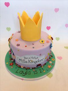 A vanilla Ben & Holly cake Ben And Holly Party Ideas, Ben And Holly Cake, Ben E Holly, Fairy Birthday Cake, Girl 2nd Birthday, 40th Birthday Cakes, Lego Birthday, Birthday Ideas, Birthday Parties