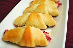 strawberry cheesecake crescent rolls - how delicious