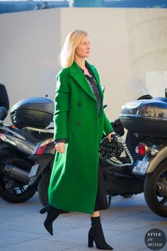 Elizabeth von Guttman Street Style Street Fashion Streetsnaps by STYLEDUMONDE Street Style Fashion Photography