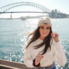 White blouse and hat - ChicLadies. Artsy Photos, Cute Photos, Jessica Conte, Jess And Gabe, Gabriel Conte, Love Fashion, Girl Fashion, Photo Editing Vsco, Foto Casual