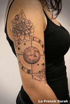 Dahlia Tattoo, Moon Tattoo, Tatouage Lune, Tatouage Dalia, La french Sarah