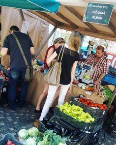Farmářské trhy v Praze opravdu stojí za návštěvu! Kde to za to stojí a co tam koupíte najdete tady. Tam musíte jít a vyzkoušet. Instagram, Asia