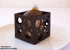 Bavaroise de caramelo, naranja y Grand Marnier con cremoso de chocolate y romero - receta