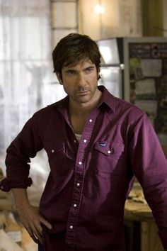 Dylan Mcdermott, (not Dermot Mulroney ;) Loved him the first time I saw him years before the Practice.and then love him in the Practice. Dylan Mcdermott, Stylish Men, Men Casual, Dermot Mulroney, Gerard Butler, Famous Men, Famous People, Tv Actors, Actor Model
