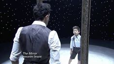 The Mirror: Robert Roldan + JT Church Music: The Mirror by Alexandre Desplat (vía HTTPS://WWW.YOUTUBE.COM/WATCH?V=0G8GUHXH1SC)