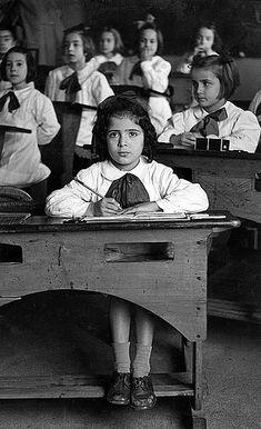 Italian Vintage Photographs ~ ~ Andare a scuola nel dopoguerra 1950
