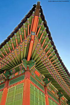 by Rudi Niranjan - Photo 185755723 / Asian Architecture, Architecture Details, Ancient Architecture, Roof Decoration, Stitching On Paper, Korean Design, Roof Detail, Bali Fashion, Korean Art