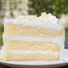 White Velvet Buttermilk Cake with Cake Flour Granulated Sugar Salt Baking Powder Baking Soda Large Egg Whites Vegetable Oil Buttermilk Butter Vanilla. Just Desserts, Delicious Desserts, Dessert Recipes, French Desserts, Food Cakes, Cupcake Cakes, Snack Cakes, Cookie Cakes, Bakery Cakes