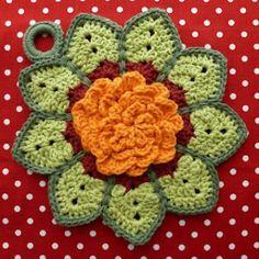 8 Beautiful Crochet Potholders