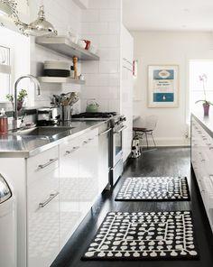 Edelstahl Arbeitsplatten, Schwarz Und Weiß, Große Weiße, Wohnkultur,  Speiseräume, Weiße Küche, Hausdekoration, Kleine Küche, Dekorative Küche