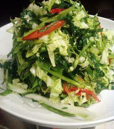 Collard Greens Salad with Apple Cider Vinegar Vinaigrette