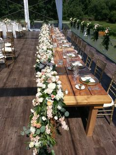 Head  table  floral  runner