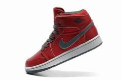 old Nike Jordans | Nike Air Jordan Classic 1 scarpe da donna rosso/Gery