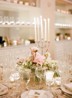 Sparkling Wedding Table Setting with Pink Bouquet Pink Wedding Centerpieces, Wedding Decorations, Wedding Reception, Wedding Venues, Wedding Bells, Marquee Decoration, Tuscan Wedding, Pink Bouquet, Sparkle Wedding