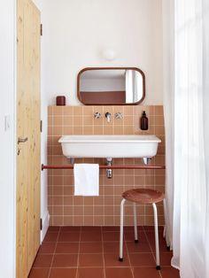 | HOTEL Interior Exterior, Bathroom Interior Design, Home Interior, Interior Architecture, Retro Bathrooms, Dream Bathrooms, Beautiful Bathrooms, Minimal Bathroom, Ace Hotel