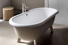 Vasche da bagno piccole. Compatte, colorate, confortevoli: le vasche da bagno small size non fanno rimpiangere le sorelle maggiori - via @livingcorriere