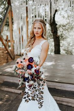 This Fall Wedding at Southwind Hills Seamlessly Blends Bold and Soft Styles