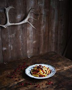 Gemüsesalat mit Pistazien und frischen Cranberries | http://eatsmarter.de/rezepte/gemuesesalat-mit-pistazien-und-frischen-cranberries