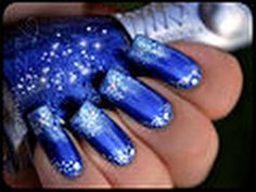 Moss gradiating - love this blue and the design - note the stencil tool she uses.