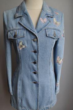 Image is loading American-Eagle-Distressed-Embroidered-Floral-Denim-Jacket -Size-