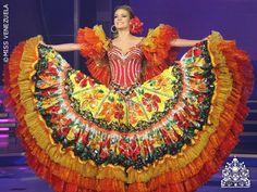 Traje de Llanera - Gabriela Ferrari para Miss World 2012.. Miss Mundo, The World Race, Flamenco Skirt, Different Races, Spanish Fashion, Folk Costume, Dance Costumes, Belly Dance, Beautiful Dresses