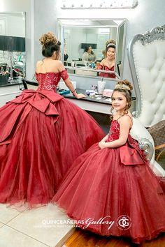 Burgundy Quinceanera Dresses, Mexican Quinceanera Dresses, Sweet 16 Dresses, 15 Dresses, Quinceanera Decorations, Quinceanera Cakes, Quinceanera Ideas, Quince Dresses Mexican, Wedding Lehenga Designs