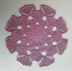 Let's crochet the beautiful doily. This is a doily design like no other, yet simple enough for beginner crocheter! Crochet Table Runner Pattern, Free Crochet Doily Patterns, Crochet Tablecloth, Crochet Squares, Crochet Designs, Crochet Chain, Filet Crochet, Crochet Hooks, Crochet Dollies