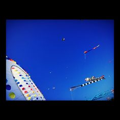 Kites #bluesky #blue #kites #kite #seaside #denmark #scandinavia #fanø #summer #summertime #beach #beaches
