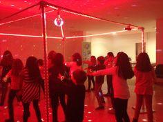 Festa de aniversário discoteca: para miúdos e graúdos. #festas #festa de anos #discoteca