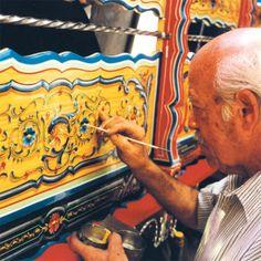 #Filete #porteño #Argentina #art #painting #design Arte Popular, Vintage Box, Vintage Signs, Art Nouveau, Medieval, Leaf Drawing, Painted Signs, Tango, Deco