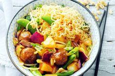 Aziatische wokgroente met ananas en gehakt Potato Salad, Chinese, Meat, Chicken, Dinner, Ethnic Recipes, Kitchen, Foodies, India