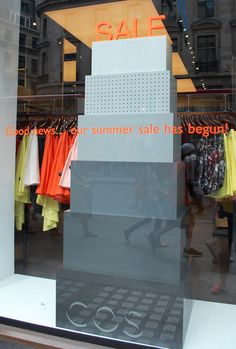 COS, London, is spreading some good news, pinned by Ton van der Veer