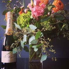 #flowers #nyc #wedding #gift #sustainable #design #mostwanted #bestflorist #bestfloristny #centerpiece #flowerart #flowerlovers #flowershop #weddingflowerideas #flowerstyles #flowersofnewyork #nyweddings #flowermagazine #gardeniaorganic  #champagne