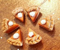Pumpkin Pie cabochon, Pie decoden, polymer clay mini dollhouse food supply 6pcs