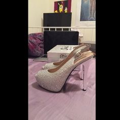 Selling my prom heels!:) Sparkly rhinestone encrusted open toe pumps.:)❤️ worm once willing to negotiate hit the offer button! got them at a boutique in nyc. Lady couture Shoes Heels