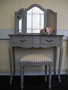 french country dressing table and mirror Vintage Bedroom Furniture, Shabby Chic Furniture, Furniture Decor, Refurbished Furniture, Farmhouse Furniture, Furniture Sets, Farmhouse Style Bedrooms, Shabby Chic Bedrooms, Bedroom Door Design