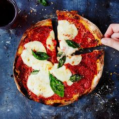 Pizza Day, Good Pizza, Mozzarella, San Marzano Tomaten, Pizzeria, Savoury Baking, Food Photo, Vegetable Pizza, Food Inspiration