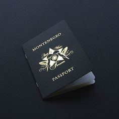 Heißfolienprägung Reisepass als Hochzeitskarte