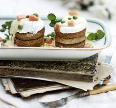Frokostret med pocherede æg og hollandaisesovs